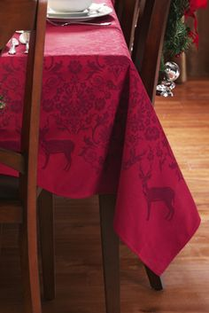 Jacquard Holiday Tablecloth - Elegant Deer and Holly design
