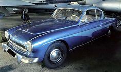La Peugeot 403 par Darlmat, cet ancien véhicule fut fabriqué en 1958.