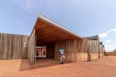 Kéré Architecture · Burkina Institute of Technology · Divisare Francis Kere, Thermal Mass, Rise Art, Landscaping Work, Walk In The Woods, Contemporary Architecture, Wooden Architecture, Tropical Architecture, Architect Design