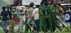 Pakistan team after wining 2nd T20 vs Australia at Dubai, September 7, 2012