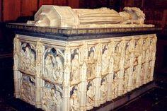 Roskilde Domkirke, Kongelig Gravkirke.  List of Kings burried here from 940 -1448 Earlier Kings were burried in St Bendts kirke in Ringsted