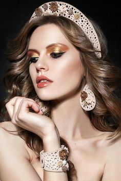 À la Russe Russian Beauty, Russian Fashion, Russian Style, Gypsy Style, Boho Gypsy, Russian Jewelry, Russian Wedding, Court Dresses, Fashion Marketing