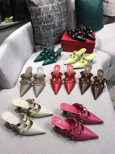⭐️Valentino. VLTN woman rockstuds collection big studs flats & heels sandals slippers smooth leather 1.5/3.5cm Studded Flats, Valentino Shoes, Smooth Leather, Studs, Slippers, Woman, Sandals, Big, Heels