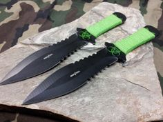 """Perfect Point Throwing Knife Set 2 PC 7.5"""" Black & Green - 0982GN"""