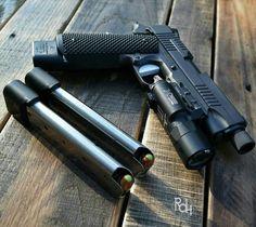 Pistol, 1911, guns, weapons, self defense, protection, 2nd amendment, America, firearms, munitions #guns #weapons
