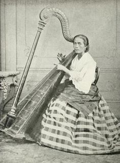 A FILIPINA Harpist _1898 Vintage Photography, Street Photography, Philippines Culture, Filipiniana, Mindanao, Male Figure, Photo Projects, Vintage Pictures, Filipino