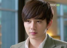 Yoo Seung Ho as Harry Borrison in MBC's I Miss You alongside with JYJ Yuchun & Yoon Eunhye