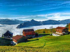 Häuser überm Nebelmeer  - Blick Richtung Rigi