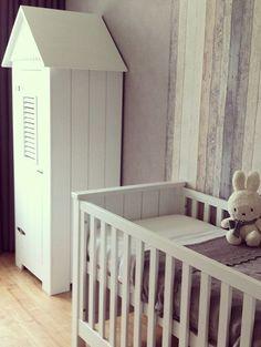 steigerhout behang babykamer - Google zoeken