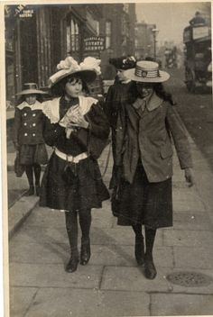 Edward Linley Sambourne (1844-1910) - Kensington, London - 17 October, 1906