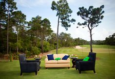 Feature: The Knot // Photography: Vue Photography Golf Course Lounge Area