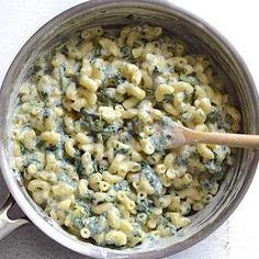 Take your comfort food mac and cheese to the next level with a dollop of basil pesto and some hidden greens for good measure! Vegetarian Pesto Pasta, Creamy Pesto Pasta, Cheap Vegetarian Meals, Pesto Pasta Recipes, Veggie Recipes, Vegetarian Recipes, Cooking Recipes, Basil Pesto Pasta, Vegetarian Barbecue