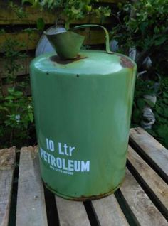 Oude Brocante Emaille Petroleumkan Resedagroen 10 Liter