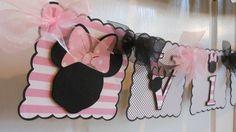 Cumpleaños de Minnie Mouse y nombre Banner por ASweetCelebration