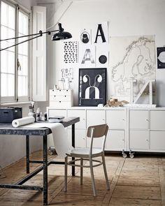 KALLAX kast | IDOLF stoel | SAXNÄS lijst | MÅLA rol | MOPPE miniladekast | Styling: Cleo Scheulderman | Fotografie: Alexander van Berge | vtwonen juli 2014 #interieur #IKEA