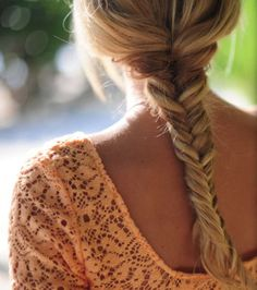 a loose fishtail works best with salty beach hair {click for a tutorial}