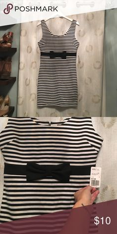 Forever 21 Black and White Striped Dress New with tag! Forever 21 black and white striped fitted dress with the cutest little bow around the waist. Forever 21 Dresses Mini