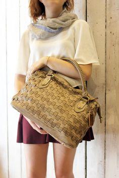 """Handmade woven leather bag """"INTRECCIATO 30"""" di LaSellerieLimited su Etsy"""