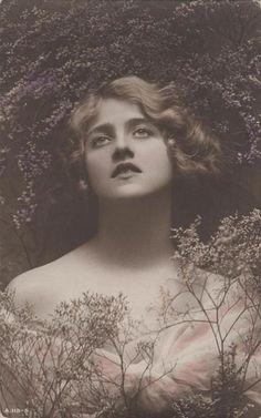 Image from http://fc08.deviantart.net/fs26/i/2013/244/7/3/vintage_lady_godiva_10_by_beinspyred-d1gk87x.jpg.