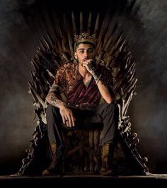 Zayn Malik is king and he's my king and the king to other Zayngles