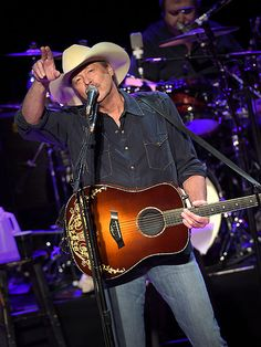 Alan Jackson Teases New Music, Talks Hardships in Nashville Performance http://www.people.com/article/alan-jackson-country-music-hall-of-fame-performer