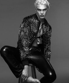 Filip Hrivnak + Daan van der Deen for Versace Fall/Winter 2014 Campaign image Versace Fall Winter 2014 Menswear Campaign 005