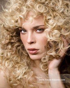 GREAT LENGTHS Blonde Weiblich Curly Lange Erweiterungen Frauen Frisuren hairstyles