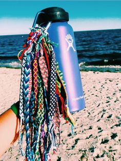 Rings Selber Machen hydroflask and friendship bracelets Summer Bracelets, Cute Bracelets, String Bracelets, Thread Bracelets, Loom Bracelets, Macrame Bracelets, Hippie Bracelets, Braclets Diy, Beach Bracelets