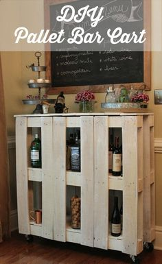 How to make a DIY Pallet Bar? - Is it your friend's birthday or some big event coming up in few days? If yes and you wanted to surprise him then making a DIY pallet bar is a great . Diy Bar Cart, Gold Bar Cart, Bar Cart Decor, Diy Pallet Projects, Diy Projects To Try, Pallet Ideas, Craft Projects, Pallet Crafts, Wooden Projects
