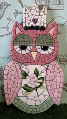 Mosaic Owl by mosaiccottagecoruja wm mosaico on Etsy Owl Mosaic, Mosaic Birds, Mosaic Art, Mosaic Glass, Glass Art, Mosaic Crafts, Mosaic Projects, Art Projects, Projects To Try