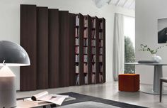 Here comes Jesse Aleph Modular Bookcase, the incredible bookcase for you and your lovely family. Purchase this bookcase today! Italian Furniture, Home Furniture, Furniture Design, Wall Shelving Systems, Wall Shelves, Classic Living Room, Living Room Modern, Modern Bookshelf, Modular Walls