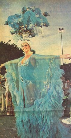 Margaret Gardiner represents South Africa at the 1978 Miss Universe Pageant. What a stunner! Fairest Of Them All, Beautiful Inside And Out, Some Image, Pageants, Iconic Women, Beauty Pageant, My Scrapbook, Afrikaans, African Beauty