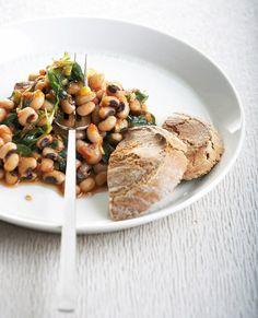 Παραδοσιακό φαγητό της Πελοποννήσου και ιδιαίτερα της Μάνης, με πλούσιες γεύσεις της ελληνικής υπαίθρου.