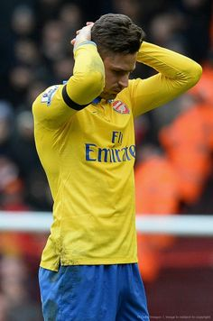 Giroud Disappointed After Defeat vs Liverpool 2013-2014.