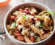 Tre Stelle® Recipes - Fusilli salad with salsa and Feta Entree Recipes, Salad Recipes, Vegetarian Recipes, Fusilli, Healthy Cooking, Healthy Eating, Cooking Recipes, Healthy Foods, Feta Cheese Recipes
