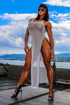 Only a couple of remaining spaces available to meet me in London for a Custom Training & Nutrition Consultation. Email me NOW on info@cindytraining.com for more information, and to reserve your place!.. I look forward to hearing from you :-) Cindy x