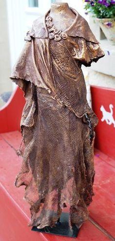 Angel Dress, Pin Cushions, Textile Art, Textiles, Statue, Creative, Fabric, Cement, Instagram