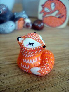 """Totem de poche """"Mon renard"""" oMamaWolf figurine en céramique : Art céramique par omamawolf"""