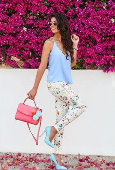 Silvia Navarro del blog 1sillaparamibolso con pulseras de Marina Garcia