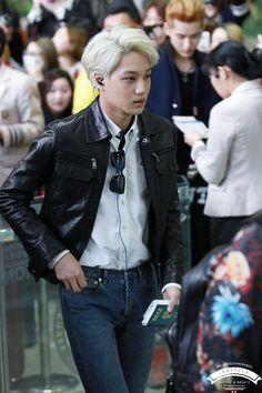 Exo airport fashion Kai