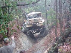 US Jeep Suspension - Amazing pic.twitter.com/GU6GCUQLpZ