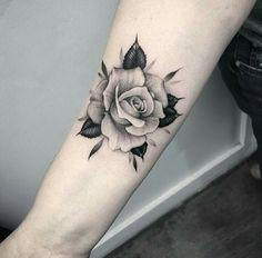 Tatoo rose, rose foot tattoos, rose tattoo on forearm, small rose Rose Tattoo Forearm, Rose Tattoos On Wrist, Foot Tattoos, Body Art Tattoos, Small Tattoos, Girl Tattoos, Sleeve Tattoos, Tattoo Art, Tattoo Pics
