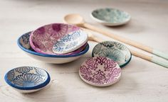 Plates, Tableware, Fabric, Stamps, Licence Plates, Tejido, Dishes, Dinnerware, Tela