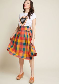 Looking for additional retro options in your closet? Then it's time to rock the plaid print of this cotton skirt! From hard-to-find British brand. Cotton Skirt, Modcloth, Cute Dresses, Fashion Beauty, Midi Skirt, Super Cute, Stripes, Plaid, Style Inspiration