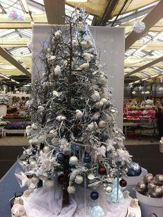 Truffaut: arbre de Noel blanc et bleu _ blue and white christmas tree