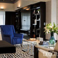 Com a assinatura da arquiteta catarinense Roberta Zimmermann, apartamento reflete a personalidade dos moradores em um décor e o projeto luminotécnico que propõem sofisticação e aconchego.