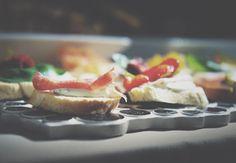 <<Tasting the weekend>>, contamos con los mejores servicios de catering para ofrecerte una fiesta increíble! #weekend #gettingready #bestservice #catering