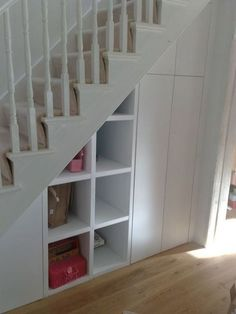 Brilliant Ideas For Understairs Storage Ideas Create a compact home office, telephone alcove, or airy, orderly storeroom under the stairs and relieve pressure on other areas […] Closet Under Stairs, Under Stairs Cupboard, Basement Stairs, Basement Ideas, Staircase Storage, Hallway Storage, Stair Storage, Hall Storage Ideas, Cubby Storage