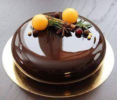 Зеркальная глазурь для торта от Пьера Эрме. Покрытые зеркальной глазурью изделия имеют гладкую зеркальную поверхность и превосходный праздничный вид.