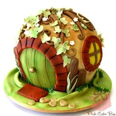 Gorgeous Hobbit Hole Cake